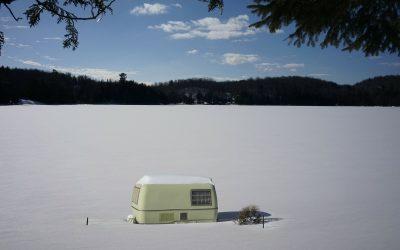 Caravan of camper naar de winterstalling